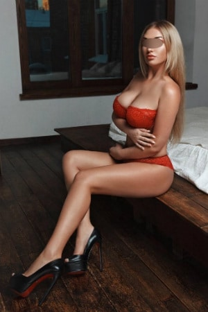Fernanda is a sensual therapist offering incall and outcall massages