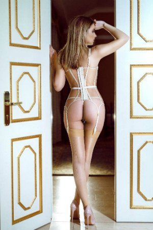 Sonja provides amazing sensual massage in Notting Hill