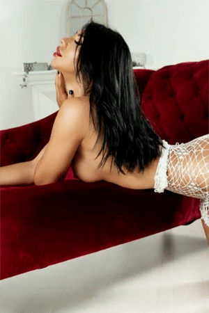 samira is our tantric queen in london